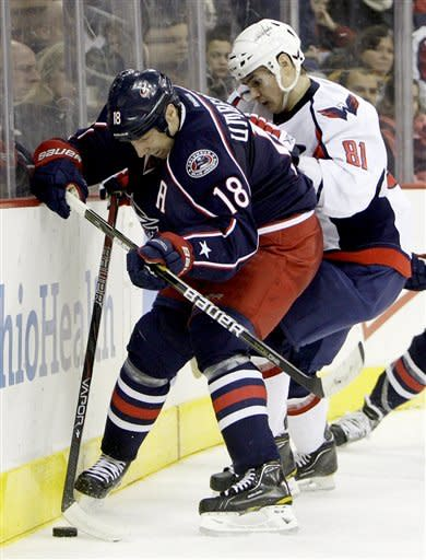 Ovechkin's late goals lead Caps past Jackets, 4-2