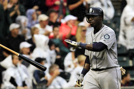 Flowers' HR for White Sox beats rain, Mariners 4-3