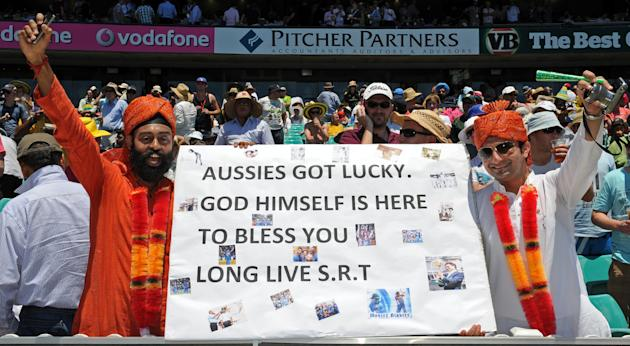 Supporters of the legendary Indian batsm