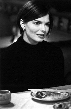 Jeanne Tripplehorn as Gina Vitale in Mickey Blue Eyes
