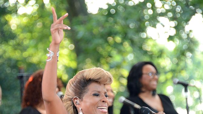 """Mary J. Blige Performs On ABC's """"Good Morning America"""""""