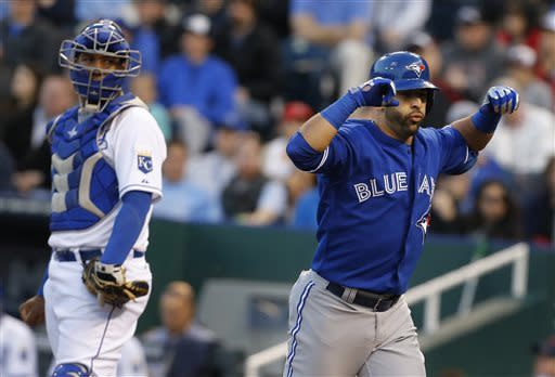 Dickey leads Reyes-less Blue Jays over Royals 3-2