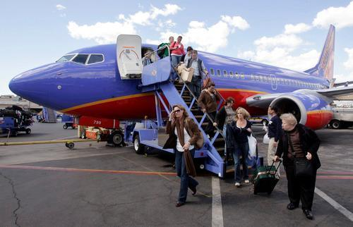 Man Sues Southwest $49,000 for Being Hit By Overhead Baggage