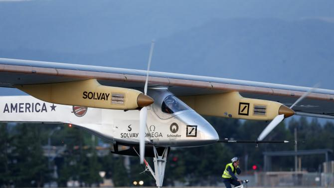 Experimental Solar Powered Plane Takes Test Flight