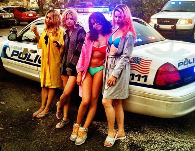 Vhud-tis vanessa hudgens ashley tisdale gym buddies 08