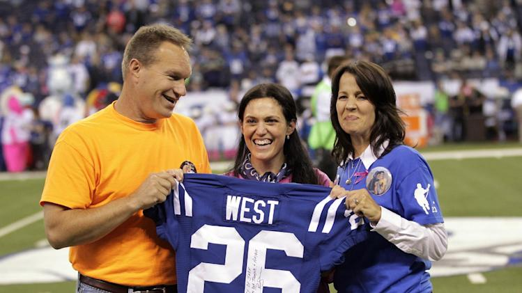 Report: Jim Irsay's daughter, Carlie, to take over Colts' day-t…
