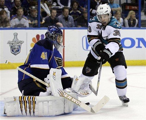Blues blank Sharks 3-0, even series at 1