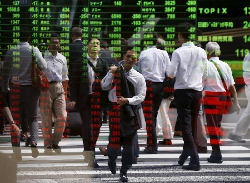 Oil gains as Russia set to meet with producers; stock markets up