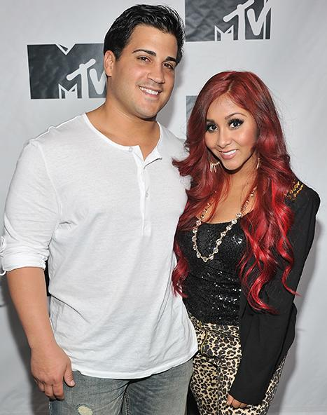 "Snooki Reflects on 2012, Tells Fiance Jionni LaValle ""Let's Get Married!"""