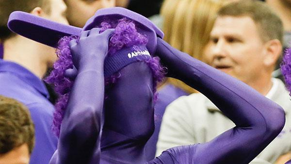 A Kansas State fan reacts during the Wildcats' second-round loss. (Getty)