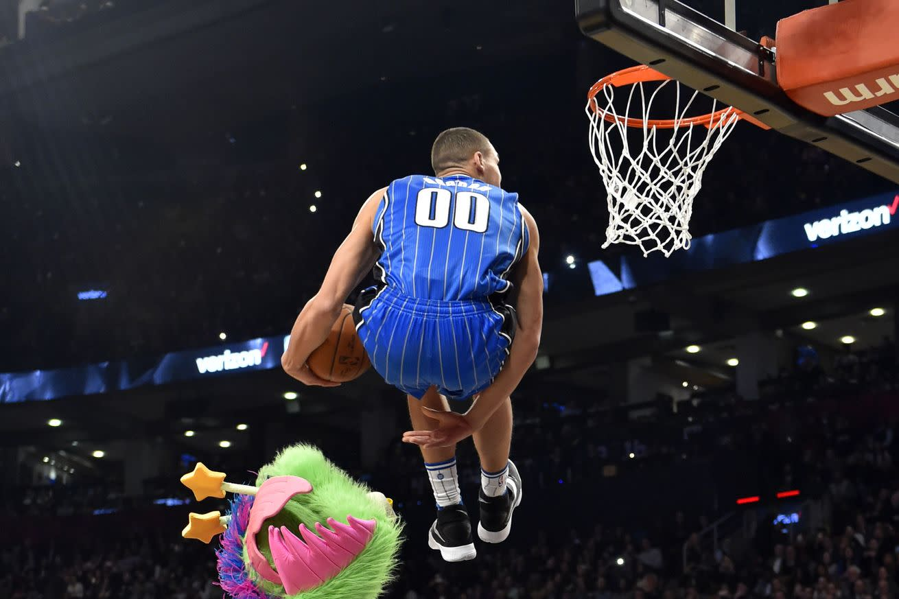 The 2016 NBA Dunk Contest in 7 astonishing photos
