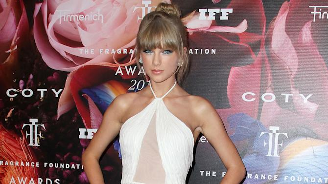 Swift not worried about connecting with fans
