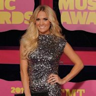 Carrie Underwood honorée par les CMT Awards
