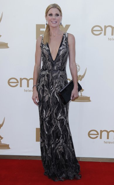 """Actress Julie Bowen from television series """"Modern Family"""" arrives at the 63rd Primetime Emmy Awards in Los Angeles"""