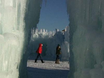 Ice Castles Delight Minneapolis Residents