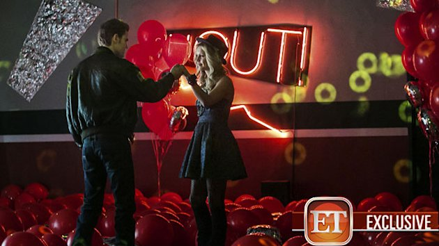 Exclusive First Look: &#39;Vampire Diaries&#39; Goes 80s