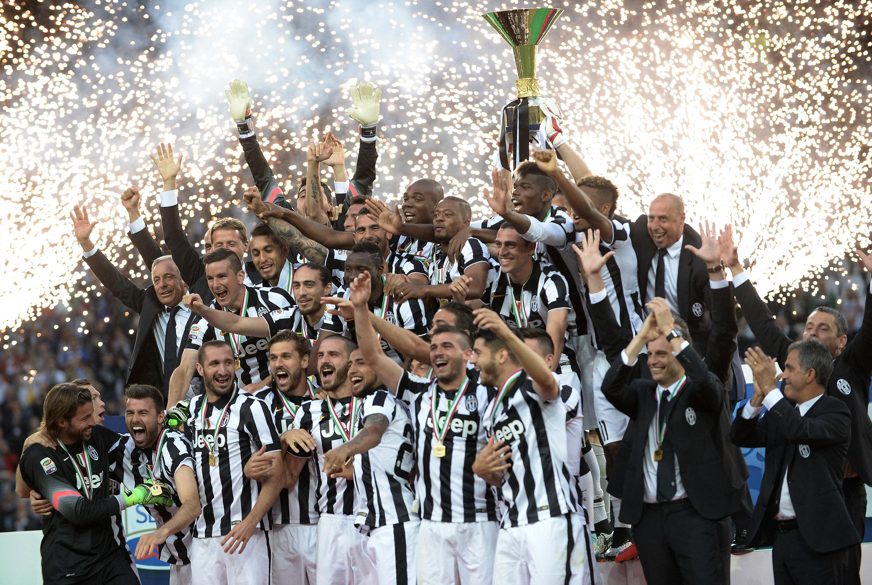 Juventus beats Napoli 3-1 to celebrate league and cup double