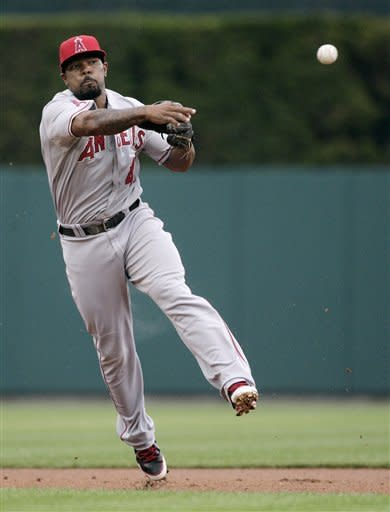 Fister, Fielder lead Tigers to 7-2 win over Angels