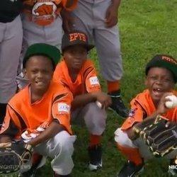 Cops Coach Chicago Youth Baseball League To Foster Peace In Crime-Ridden Neighborhood