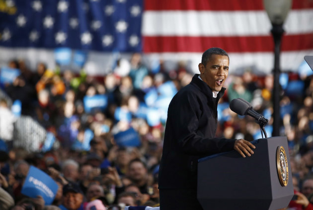 U.S. President Barack Obama speaks during a campaign rally in Dubuque, Iowa, November 3, 2012    REUTERS/Jason Reed  (UNITED STATES - Tags: POLITICS ELECTIONS USA PRESIDENTIAL ELECTION)