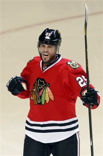 Kane scores, Blackhawks beat Blues 3-2