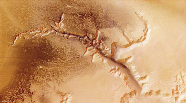 The surface of Mars, the 'Red Planet' RTX7XQL_164131