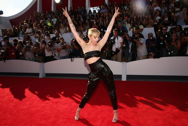 Who needs a big moment at the 2015 VMAs?