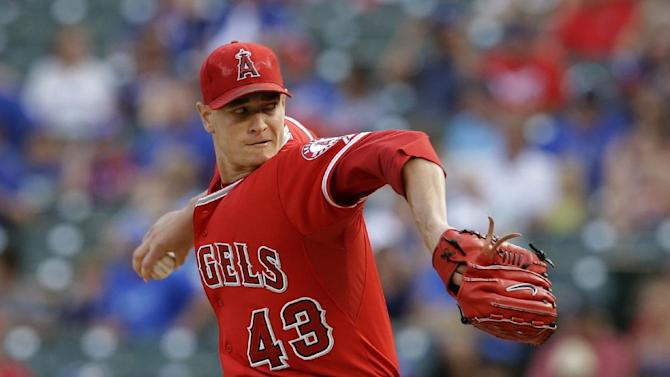 Richards runs streak to 7 in Angels' 3-0 win