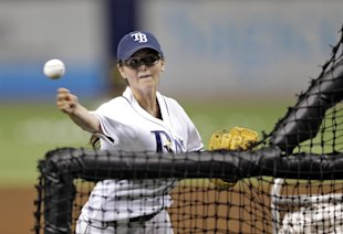 Chelsea Baker, a knuckleball pitcher, threw batting practice to the Rays. (AP)