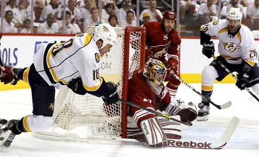 Coyotes pull out 4-3 overtime win over Predators