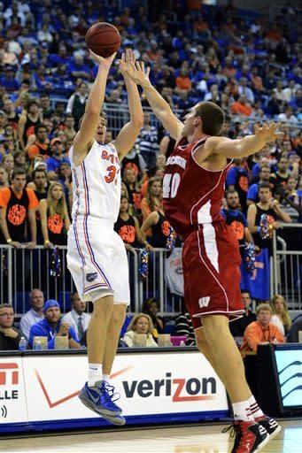 No. 10 Florida handles No. 22 Wisconsin 74-56