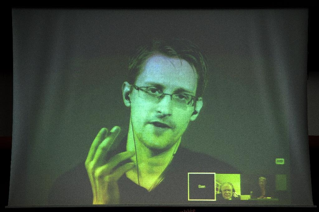 Snowden hails EU for quashing transatlantic data deal