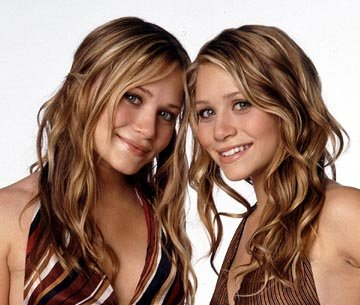 Mary-Kate Olsen , Ashley Olsen in Warner Bros. New York Minute