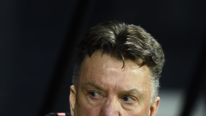 Football: Manchester United manager Louis Van Gaal before the match