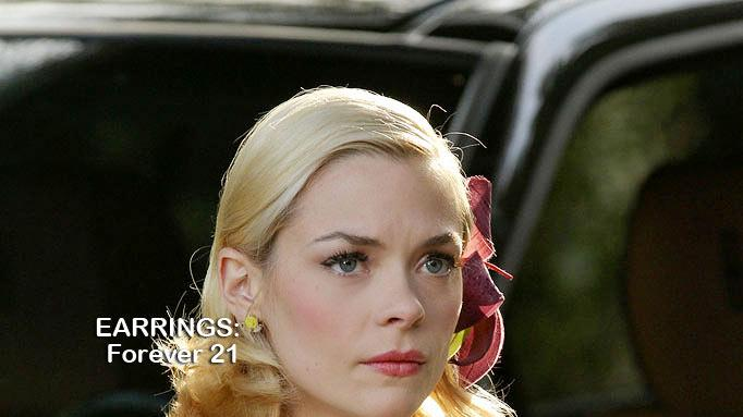 "Jaime King as Lemon Breeland in the Season 1 episode ""Homecoming and Coming Home."" Hart of Dixie"