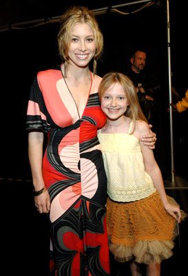 Jessica Biel and Dakota Fanning