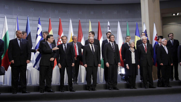 Summit of 15 EU countries shows split on EU budget