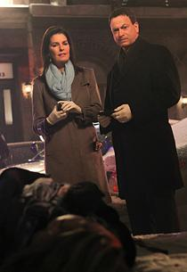 Sela Ward and Gary Sinise | Photo Credits: Robert Voets/CBS