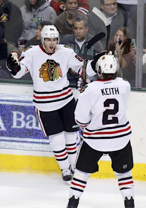 Blackhawks topple Stars 5-2