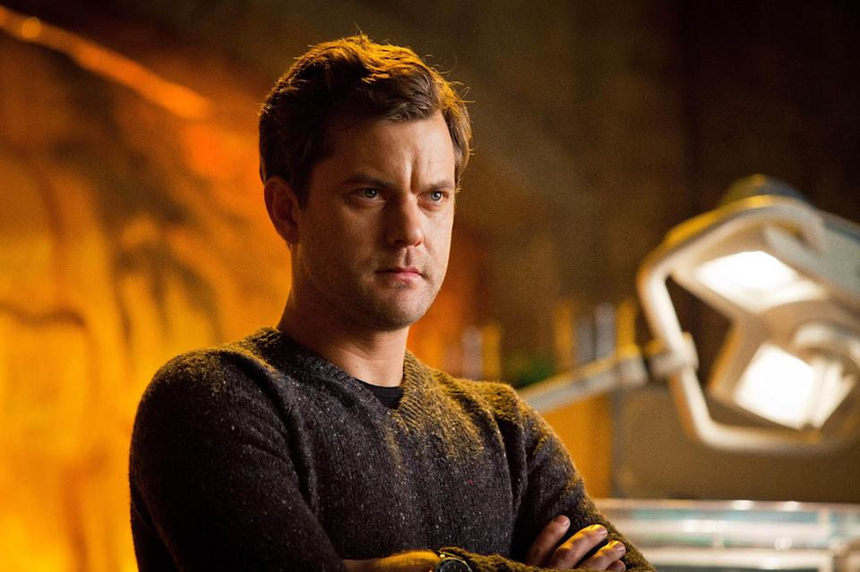 "This undated image released by Fox shows Joshua Jackson in a scene from the two-hour series finale of ""Fringe,"" airing Friday, Jan. 18, 2013 at 8 p.m. EST on Fox. (AP Photo/Fox, Liane Hentscher)"