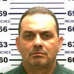 Escaped killers manhunt: one convict killed, one on the loose