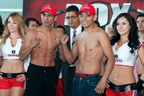 Rafael Marquez y Cristian Mijares during weight ceremony before saturday combat/Rafael Marquez y Cristian MIjares durante el pesaje previo a la pelea del sabado/26-oct-2012/MEXSPORT/OSWALDO AGUILAR.