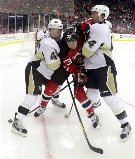 Kovalchuk leads Devils to 5-2 win over Penguins