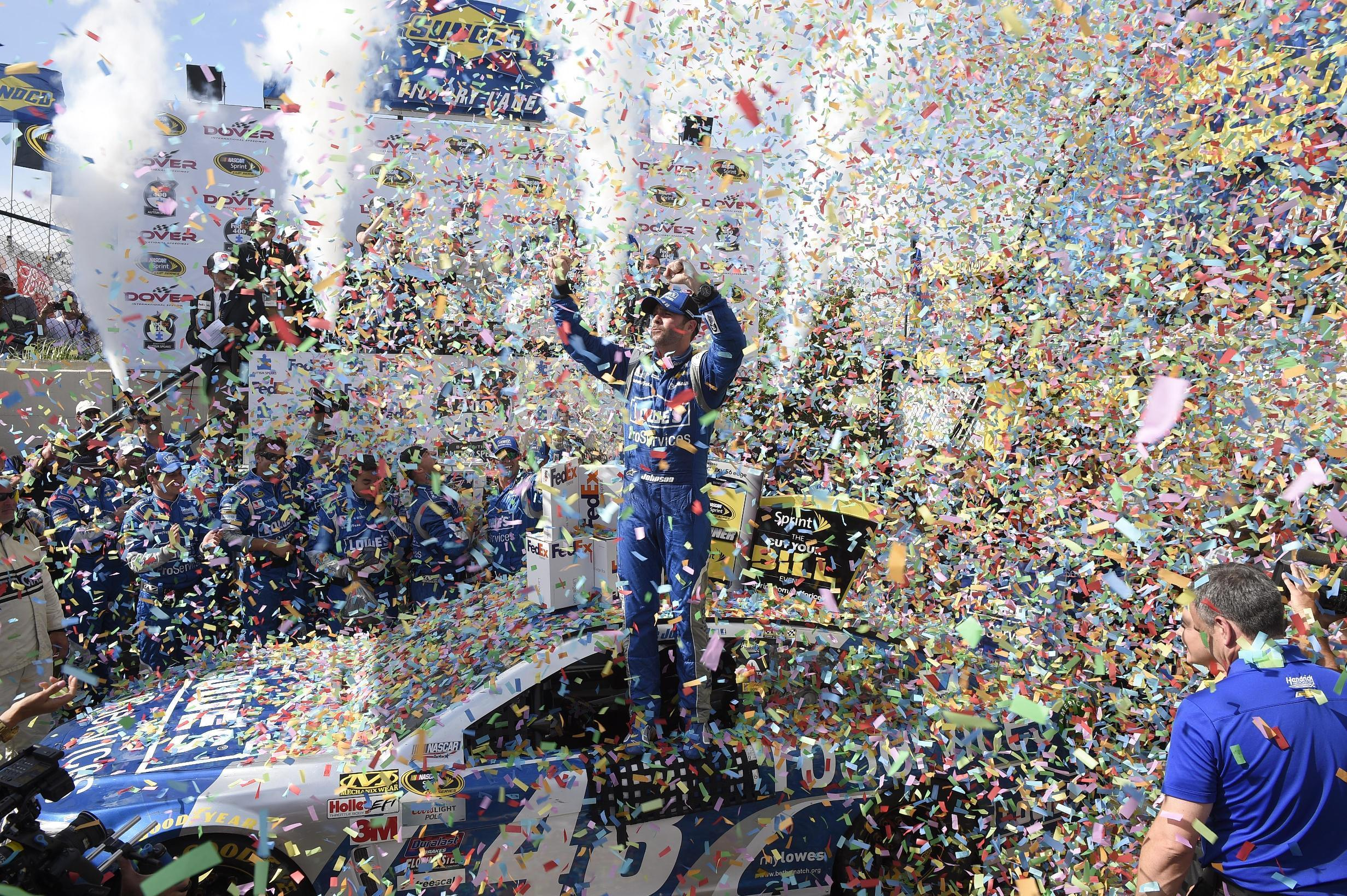 Johnson makes history with 10th win at Dover