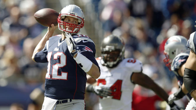 Brady clicks with rookies; Patriots beat Bucs 23-3