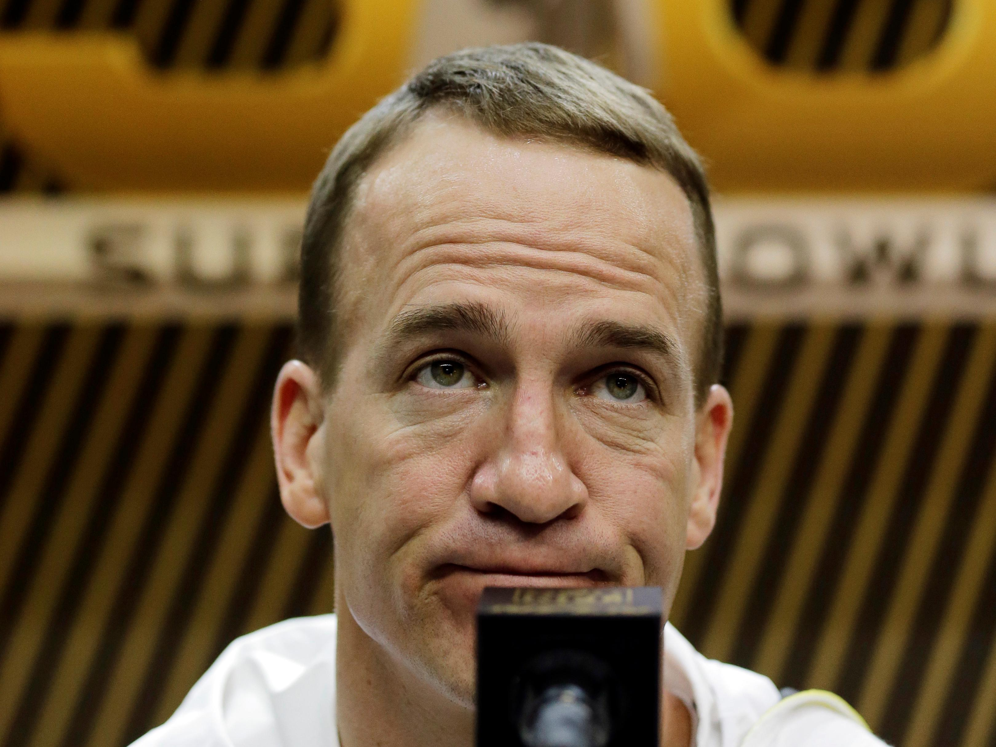 Report: Peyton Manning sent investigators to look into person behind HGH allegations