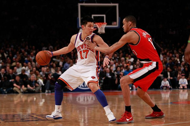 (L) Jeremy Lin #17 Of The …