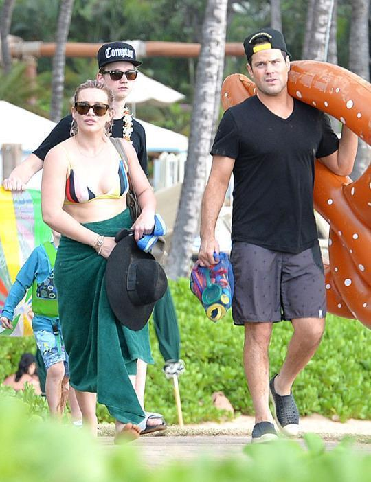 Hilary Duff Vacations With Ex-Hubby Mike Comrie in Maui — Days After She's Ordered to Pay Him $2.4 Million in Their Divorce Settlement