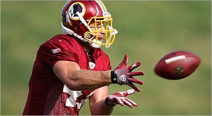 TE Cooley rejoins Redskins