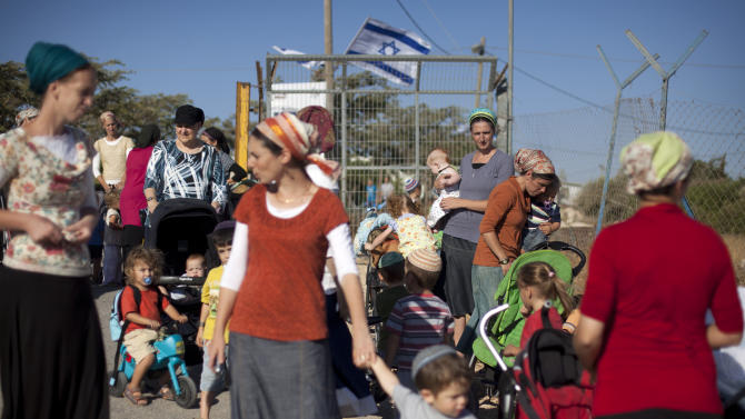 Israeli labor bill for settlers sparks uproar